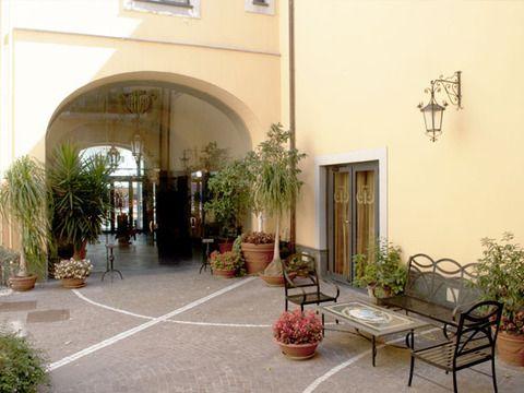 Le Cheminèe Hotel - cortile interno