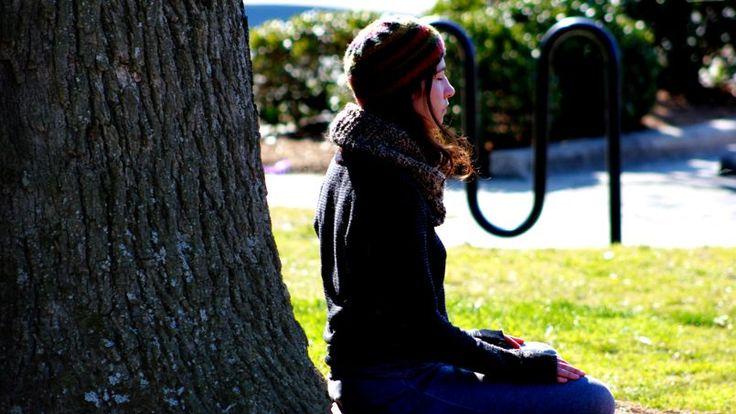 Pour beaucoup de jeunes, le printemps est synonyme de révisions, avec son lot d'angoisses et d'insomnies. Et si cette technique inspirée du yoga, de la méditation et du bouddhisme était faite pour vous?