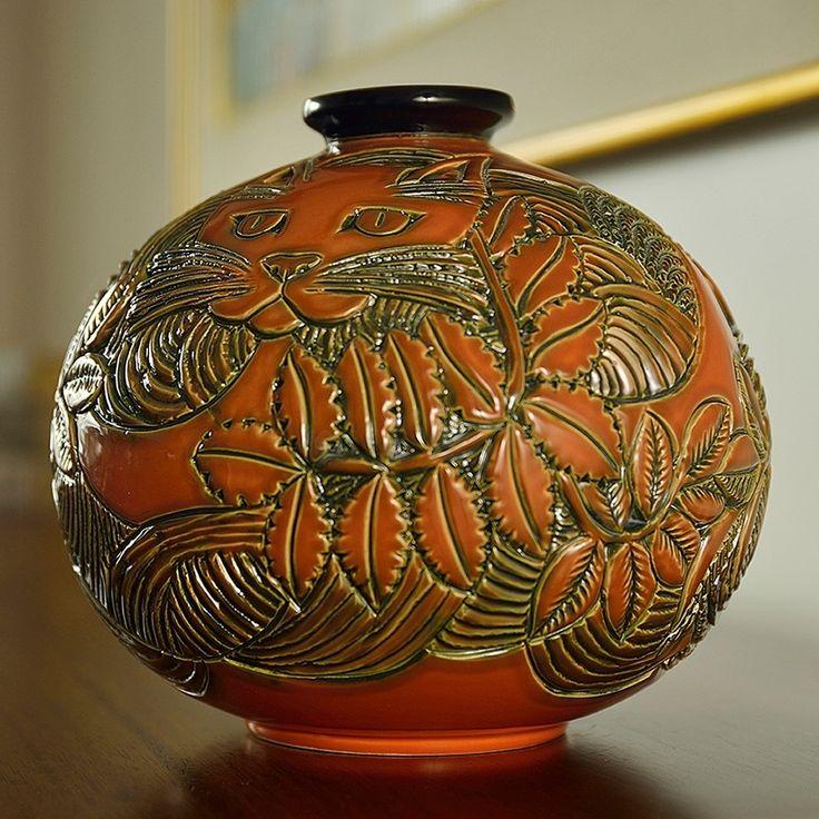 Cat Limited Edition Ceramic Vase | De Rosa Collection | Sculpture