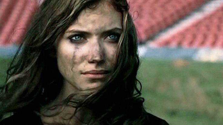 Dirty and dishevelled and still so beautiful.— Imogen Poots at the end of 28 Weeks Later.