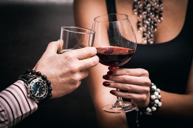 Tutkimus:+Miehen+tuoksu+voi+saada+naiset+juomaan+enemmän+alkoholia