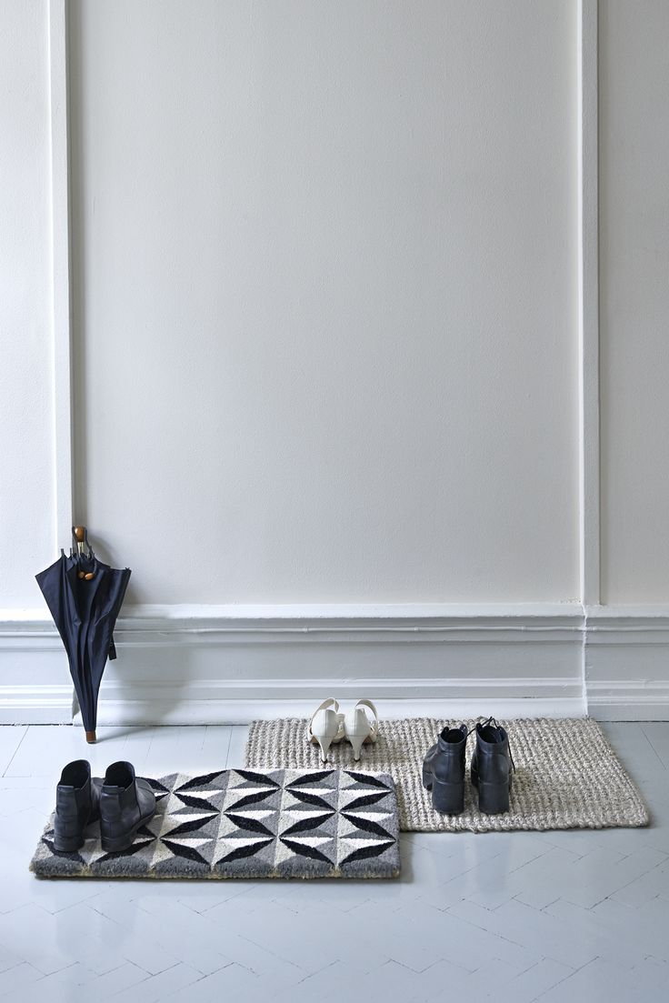 Classic entrence with modern and sustainable doormats