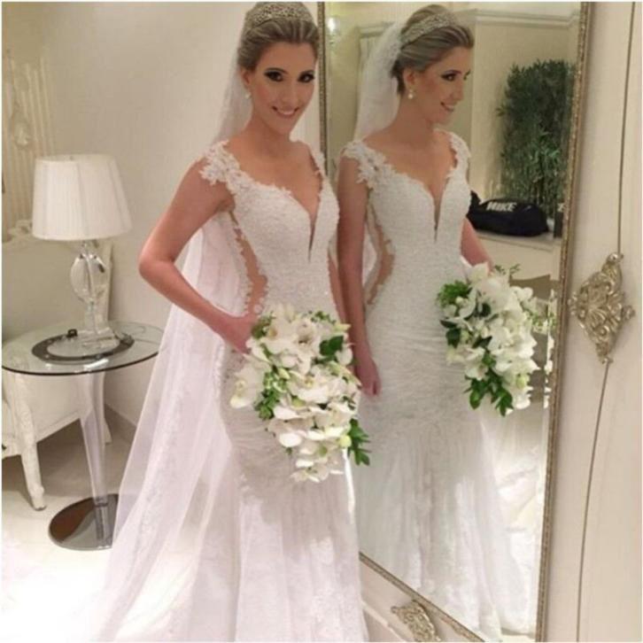 Prachtige bruidsjurk recht model van kant