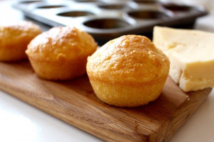 Supersnabba glutenfria ostfrallor bakade på mandelmjöl och bakpulver.