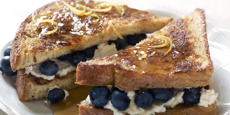 This Blueberry-Stuffed French Toast Is Super Fancy And Easy To Make