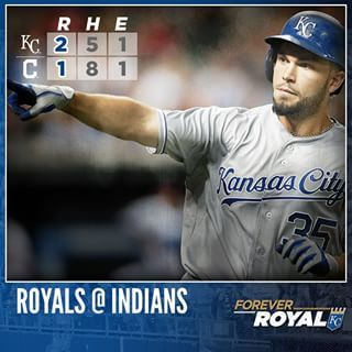 Eric Hosmer launches a 2-out homer in the 9th to give the #Royals their 4th straight win. #ForeverRoyal | royals.com