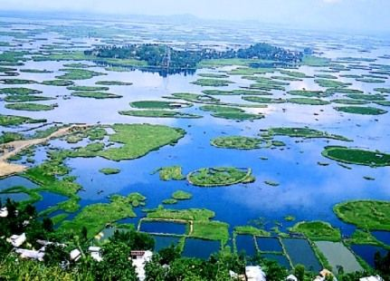 Loktak Lake: Loktak Lake is the largest freshwater lake in northeastern India, located in Manipur.