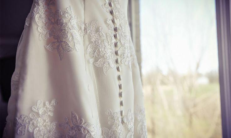 Wedding dress detail | Vintage wedding photography | www.newvintagemedia.ca