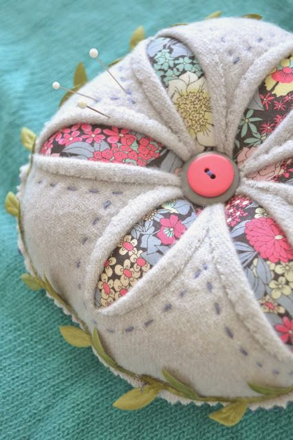 Tea Rose Home: New Pattern ~ Winter Daisy