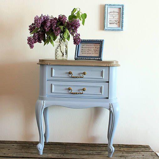 HaM / Nočný stolček mon Dieu Starožitný stolček premaľovaný kriedovými farbami Dekor Paint Soft.  Old furniture - table makeover diy with chalk paint Dekor Paint Soft.