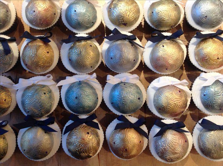 Christmas Xmas bauble cupcakes