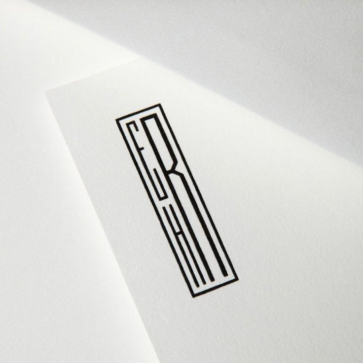 A monogram Jay Gatsby would adore, initials are handsomely arranged with an Art Deco-inspired touch. Black ink on a pearl white letter sheet allows for stark sophistication. Please note that additional blank white sheets for extra pages are a smart addition to any stationery wardrobe.