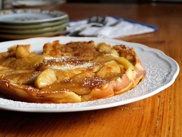 German Apple Pancake - Serious East (http://www.seriouseats.com/2014/11/how-to-make-german-apple-pancakes.html)