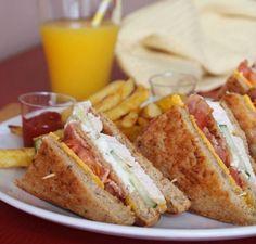 Κλαμπ σάντουιτς με κοτόπουλο