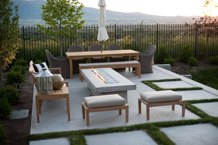 Divine Renovations Outdoor Entertaining Inspiration #Simplistic #Fireplace #Relaxing