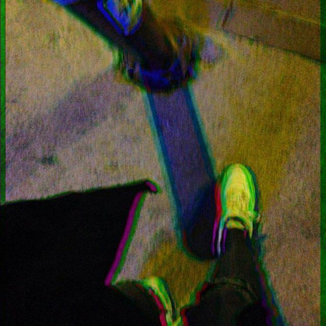 Instagram【njeren】さんの写真をピンしています。 《Yeni foto appimle çık iğliniyırım  #city #walk #latenight #road #night #lights #イズミル #散歩 #夜 #街中 #道 #夜景 #도시 #밤》