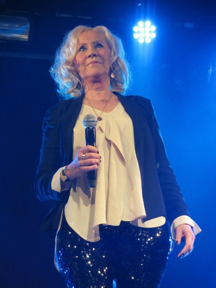 Songtext von ABBA - Dancing Queen Lyrics