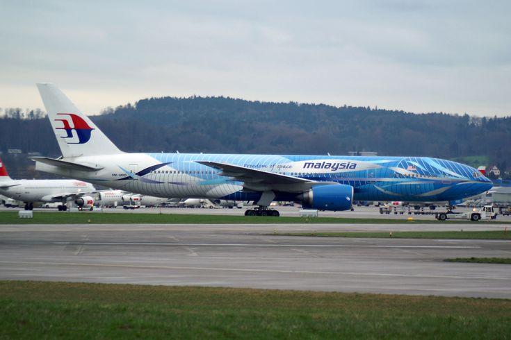 "https://flic.kr/p/yAZM84 | Malaysia Airlines Boeing 777-2H6/ER 9M-MRD ""Freedom of Space"" | Zürich (- Kloten) (ZRH / LSZH) Switzerland 4.2006   First Flight 7.1997  Del.7.1997 to Malaysia Airlines 9M-MRD www.flickr.com/search/?sort=date-taken-desc&safe_sear...    w/o  17,July 2014 when it was shot down over eastern Ukraine, killing all 298 people on board. It was flying from AMS-KUL"