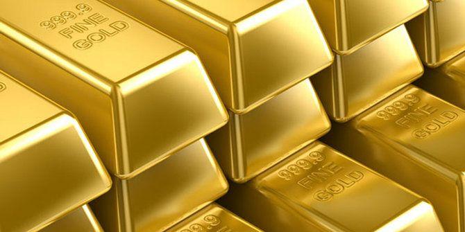 Equity World - Harga emas emas jatuh pada akhir perdagangan Selasa dinihari tadi terpicu penguatan bursa Wall Street dan meredanya kekuatiran investor