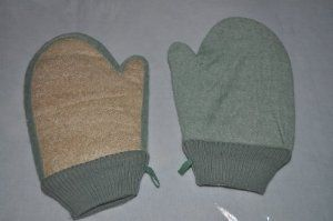 Green Loofah Mitten - Set of 2 by Sponge Producers. $4.00. Reduces Cellulite. Terry on One Side - Loofah on the other. Exfoliating Loofah Smooths Skin. Easy to use mitten. Great Value. Loofah mittens are great for stimulating circulation, removing dead skin cells, and breaking up cellulite.  Great Value - 2 pack