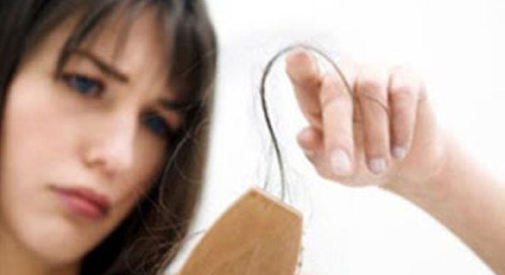 Σου πέφτουν τα μαλλιά;;; Τρία ΜΑΓΙΚΑ υλικά για να ξαναβγάλεις μαλλιά μέσα σε 10 ημέρες!