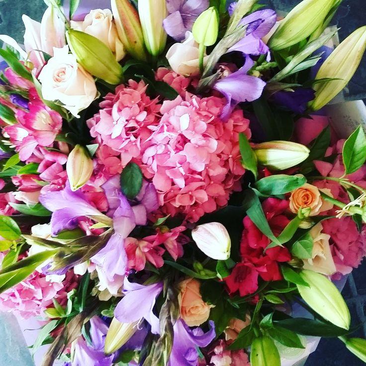 #romantic #hydrangea #valentines #flowers #bunch