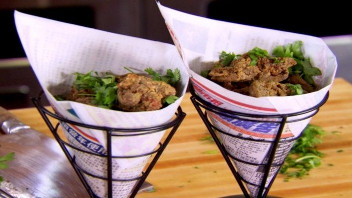 How to make the perfect Paper-Wrapped Crispy Salt & Pepper Chicken by Ching-He Huang on Food Network UK.