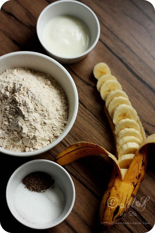 Mangalore Buns Recipe | Deep Fried Banana and Whole Wheat Poori From Udupi-Mangalore