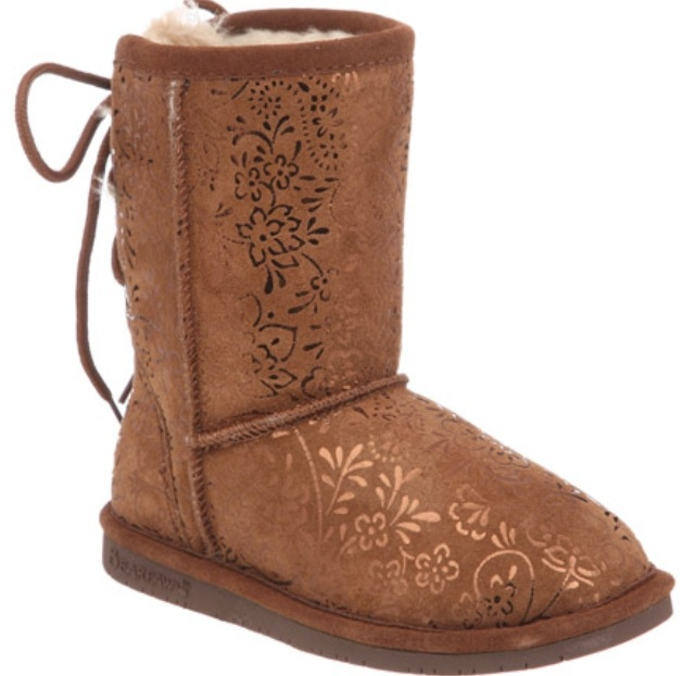 Shop the official home of BEARPAW boots for Women, Men and Kids.