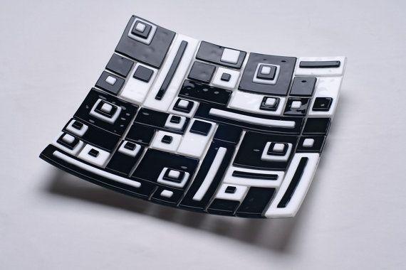 Contemporary fusing glass decor plate S-Interiors Domino