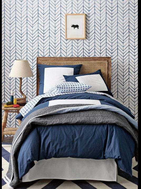 Self adhesive vinyl temporary removable wallpaper, wall decal - Chevron pattern print - 026
