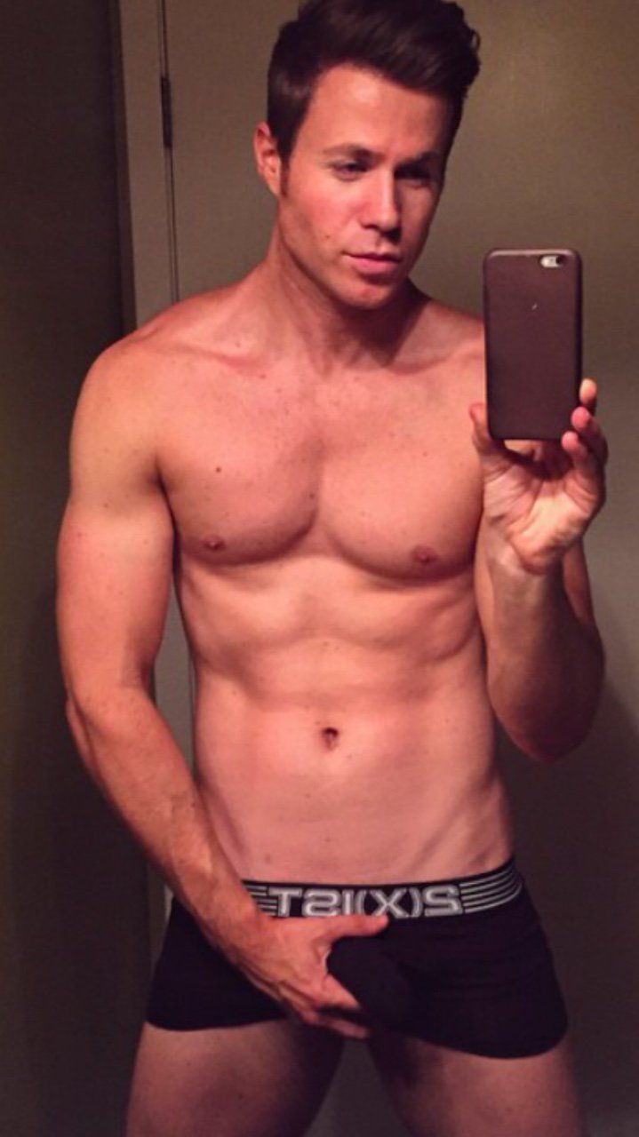 Ashley Parker Angel  Male Celebrities Bulge  Vpl Alert -7520