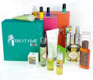 La BIOTYFULL Box est composée exclusivement de produits de beauté 100% FULL-size, Bio & Naturels, et exclusivement fabriqués en France. Koko Rico !