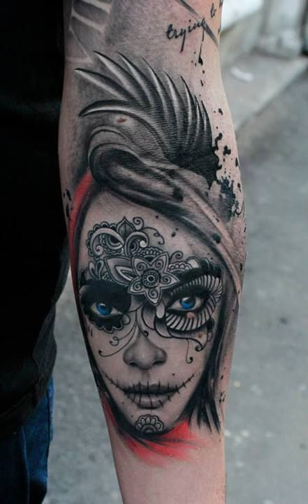I love the all black with popping blue eyes. It really makes the tattoo stand out. #tattoo