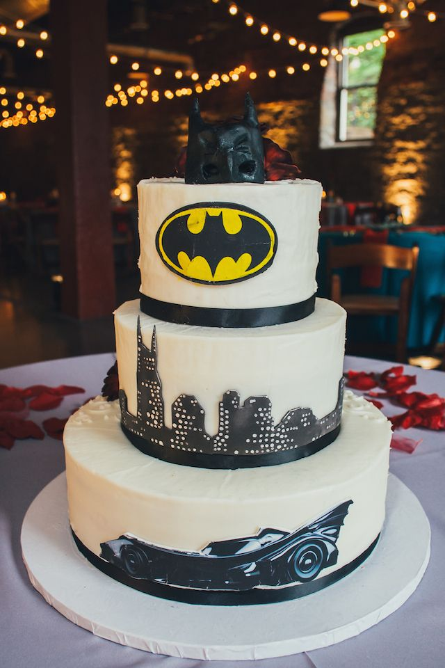 half groom half bridal wedding cake nashville, batman cake, @cupcakecollection