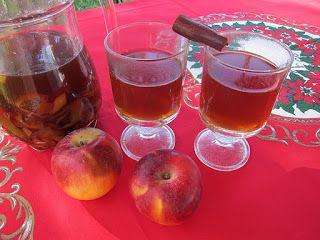 ΜΥΣΤΗΡΙΑ ΑΠΟ ΤΗ ΣΚΟΤΕΙΝΗ ΚΟΥΖΙΝΑ:  Ρόφημα με μήλα