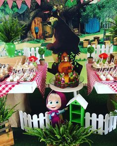 Fiesta Masha y el Oso! #doraditokids #eventos #eventospartycenter #mesa #mesaprincipal #mesadedulces #mesadedoces #candybar #masha #mashayeloso #birthdaygirl #birthdayparty #birthday #party #partyideas #fiesta #festa #ideas #ideias #decoracion #encontrandoideias
