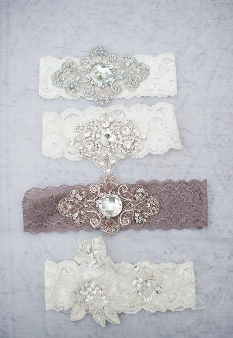Garters - so beautiful and relatively easy to make! BMS [Vintage garters]