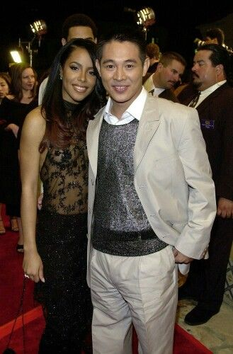 Aaliyah at her first movie permiere romeo must die with jet li - just looking at a picture of Aaliyah makes me cry. Rest her beautiful soul.