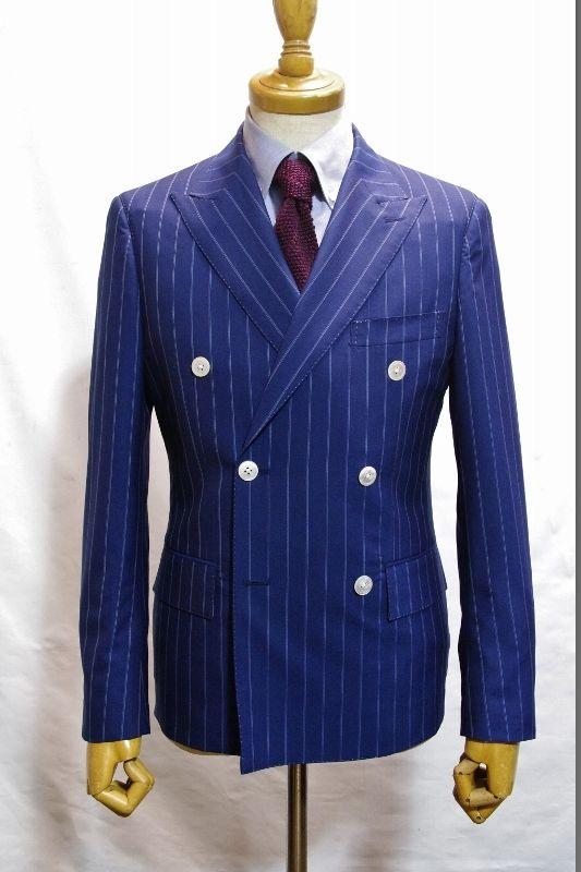 ダブルブレステッドスーツ・・