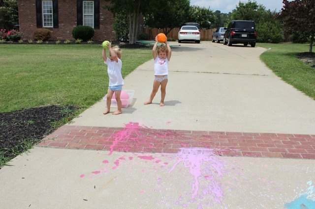 STREET PAINT WITH A SPLAT!!: Balloon Painting, Craft, Balloon Splat, Water Balloon, Balloon Explosion, Balloon Bombs, Paint Balloon, Driveway Painting