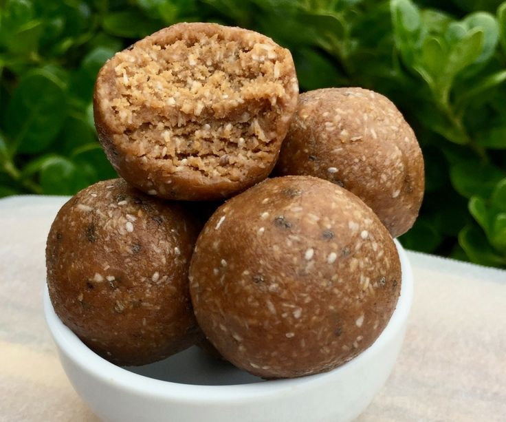 These bliss balls combine the classic flavours of chocolate and peanut butter to make a bliss ball that feels like a real treat.