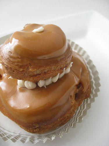 Religieuses au caramel au beurre salé http://www.caramelaubeurresale.net/?p=1397