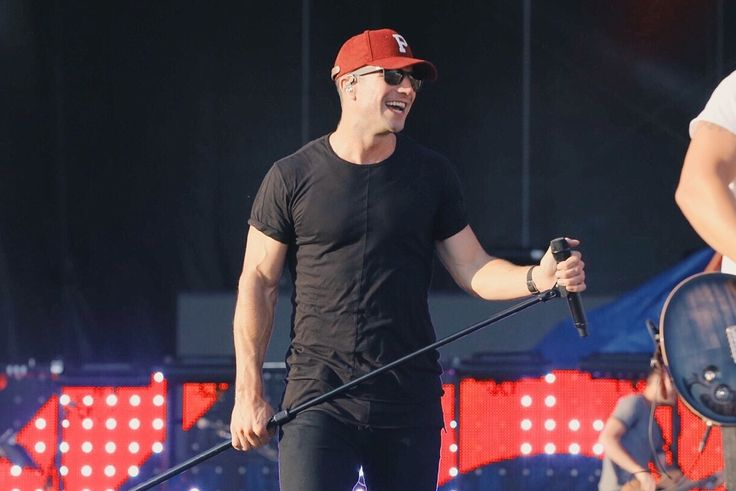 Sam Hunt Feels Pressure, But in No Rush to Release New Album