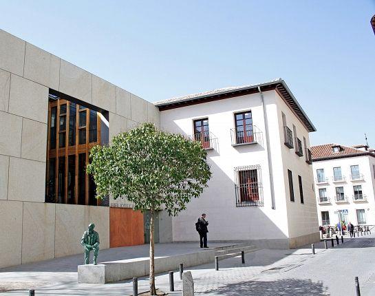 "Biblioteca Pública ""Iván de Vargas"" . Madrid . Madrid . España"