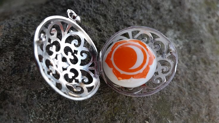 Sacral chakra enhancing pendant with beautiful orange sound eyelet to enhance creativity,enthusiasm and sensuality.Available for you if you need to feel alive again.