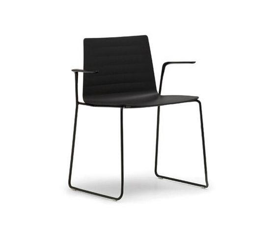 Andreu World Flex armchair | Piergiorgio Cazzaniga (2012)