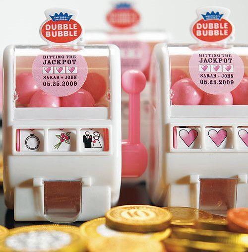 Las Vegas Wedding Favor Slot Machine | Candy Cake Weddings