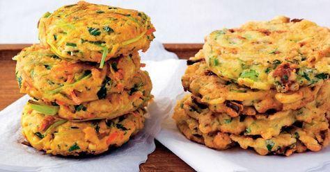 Zeleninové placky s tofu - dôkladná príprava krok za krokom. Recept patrí medzi tie najobľúbenejšie. Celý postup nájdete na online kuchárke RECEPTY.sk.