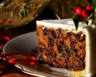 Gâteau de Noël anglais (Christmas cake) : http://www.fourchette-et-bikini.fr/recettes/recettes-minceur/gteau-de-nol-anglais-christmas-cake.html